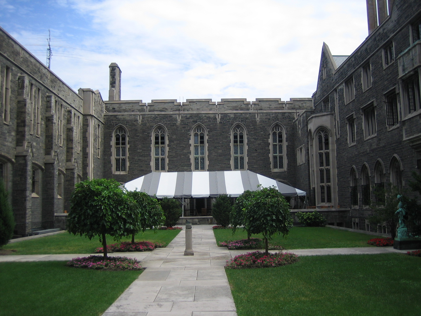 Paps hosting its 13th annual forum at the university of for Chair in engineering design university of toronto