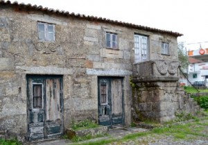 Casa das Bichas, where the first king of Portugal's mother slept once.