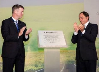 The President of BorgWarner, Brady Ericson, left, and Portugal's Vice Premier, Paulo Portas, dedicate a commemorative plaque at the new plant location.
